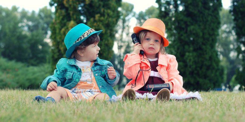 Kinder modisch angezogen, Secondhand produkte