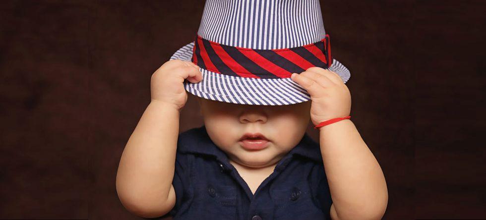 Kleinkind mit Hut als Geschenkidee